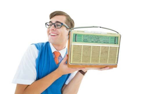 گوش دادن به رادیو انگلیسی