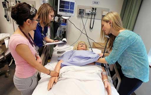 تحصیل پزشکی در کانادا: هزینه، شرایط و نکات دیگر
