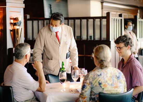مکالمه در رستوران به انگلیسی (واژگان و عبارات کاربردی)